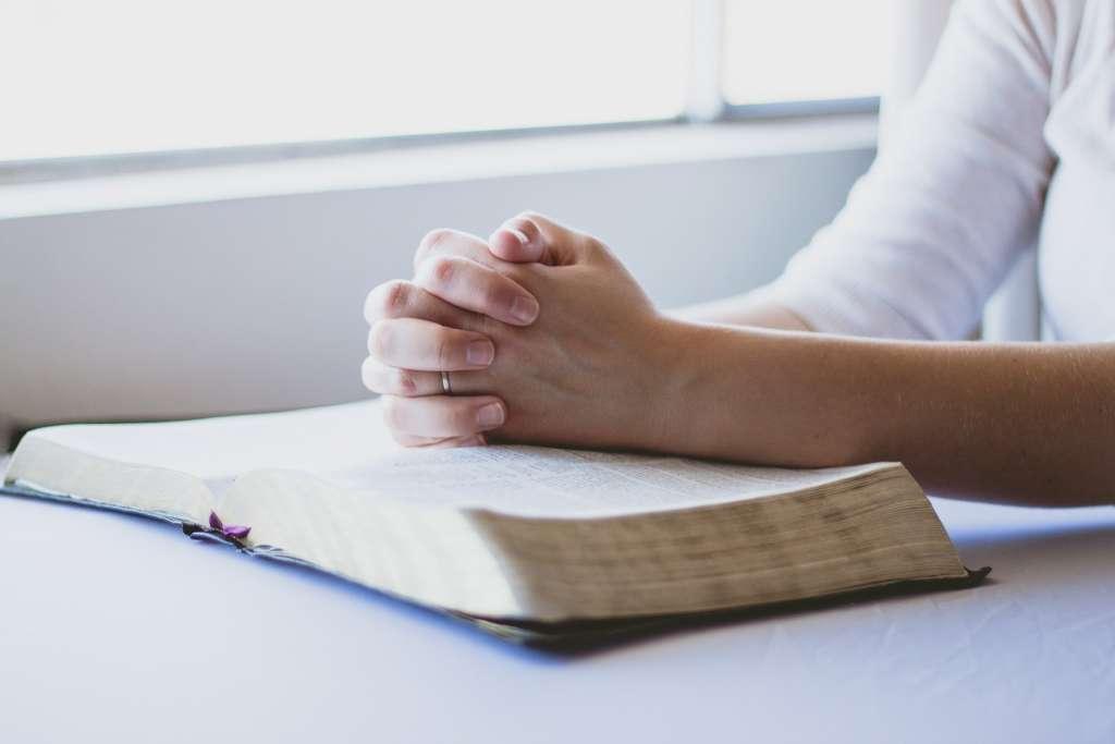 Rozsądźcie sami co jest słuszne przed Bogiem: was słuchać czy Boga; Dzieje Apostolskie (#17)