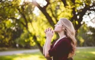 Modlitwa uwielbienia - Błogosławiony Ojcze jak nieograniczona jest Twoja moc!