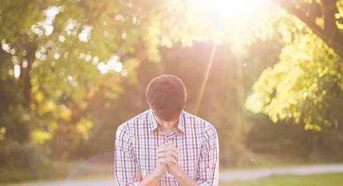 Modlitwa oddania - Miłosierny Ojcze, tak nas skrusz, abyśmy już w tej chwili byli gotowi prawdziwie powierzyć Ci swoje życie.
