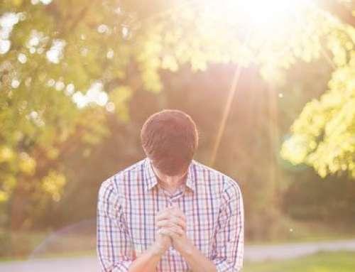 Modlitwa oddania – Miłosierny Ojcze, tak nas skrusz, abyśmy już w tej chwili byli gotowi  prawdziwie powierzyć Ci swoje życie.