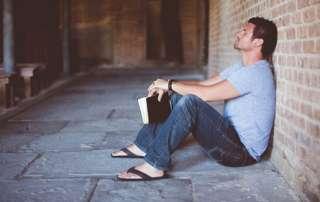 Modlitwa zawierzenia życia Bogu - Błogosławiony Ojcze, w tej chwili, chcę oddać wszystko, co tak cenię, pod Twoją opiekę!