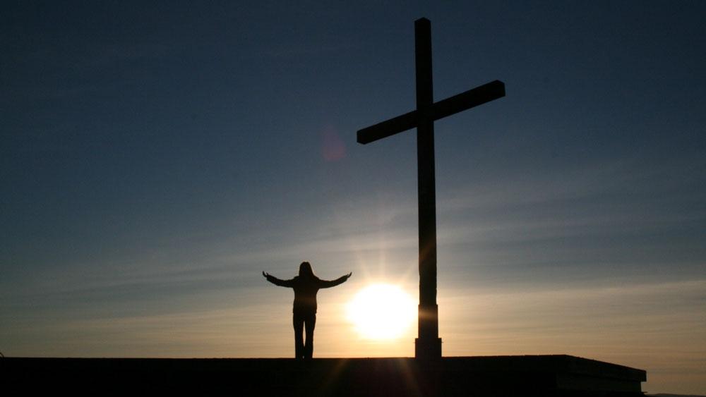 Modlitwa zawierzenia - Błogosławiony Ojcze, w tej chwili oddaje Ci swoje życie