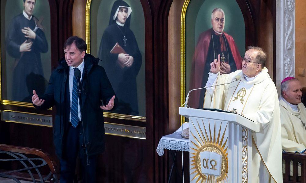 O. Tadeusz Rydzyk w obecności Zbigniewa Ziobry bagatelizował problem pedofilii - pedofilia w Kościele Katolickim