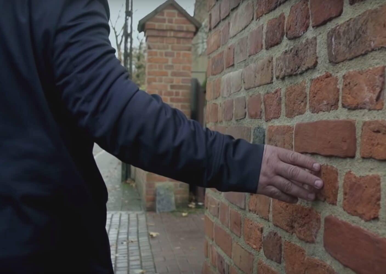 """Kadr z filmu """"Tylko nie mów nikomu"""", reż. Tomasz Sekielski, 2019 - Pragniemy, aby nasz Kościół zawsze stał po Waszej stronie"""